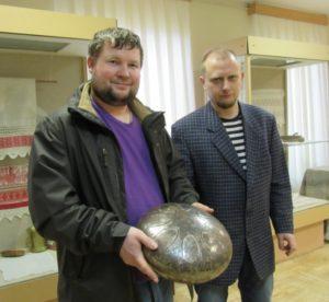 Валдайскому Музейному колокольному центру подарили глюкофон